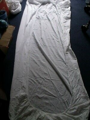 White Single Bed Fitted Sheet In Used Condition  • 5£
