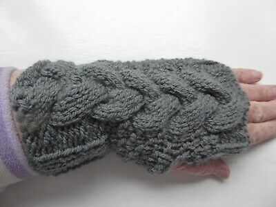 £3 • Buy Ladies Hand Knitted Cable Aran Fingerless Gloves Wrist Warmers In Graphite