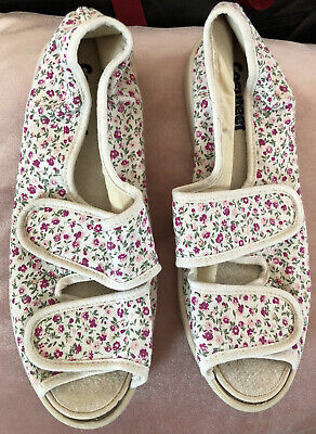"""£14.99 • Buy Cosyfeet - """"Millie"""" Beige Floral Print Casual Fabric Sandal Shoe - UK Size 8"""