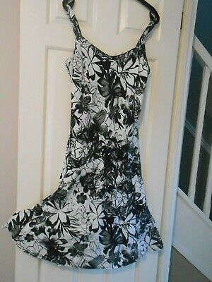 £2.50 • Buy M&S Black And White Calf Length Dress Size 14