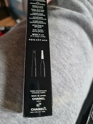 £23 • Buy CHANEL Les Pinceaux  BRUSH Dual-End  Brow  Brush N:207