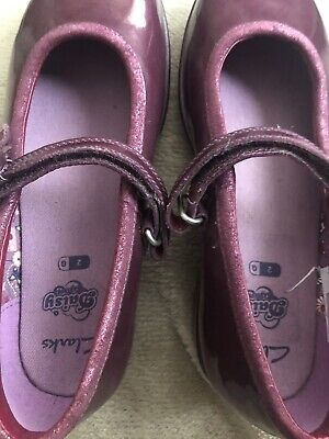 £23.99 • Buy Girls Brand New Clarks Daisy Shoes Size 2 G