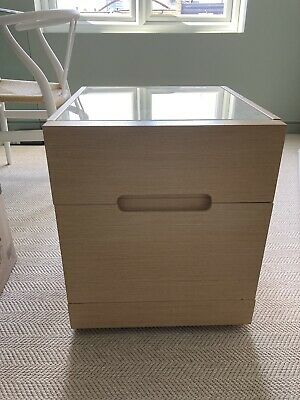 £15 • Buy 2 X Pale Wood Bedside Tables With Green Tinted Glass Top