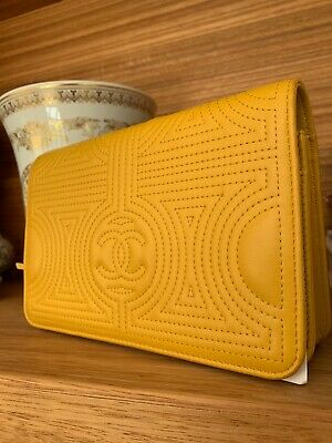 AU1950 • Buy Chanel Wallet On A Chain