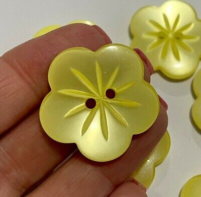 $8.98 • Buy 8 Yellow Flowers Buttons 30mm Flat Backed 2 Hole D500 Aussie Seller