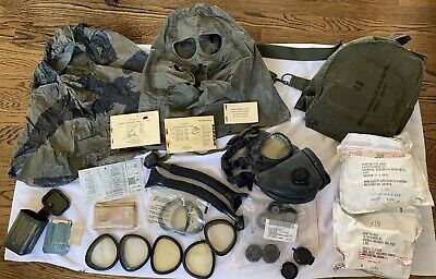 $150 • Buy US Chemical-Biological Field Gas Mask & M17A1 Carrying Case-Lots Of Accessories