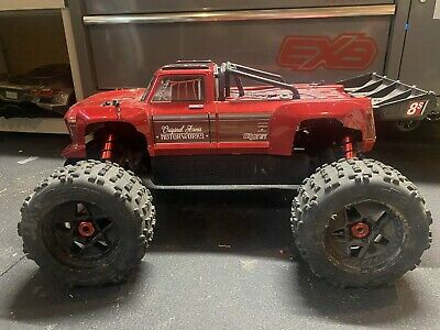 $500 • Buy Outcast 8s Roller W/ New M2c Extras And 1/5 Servo