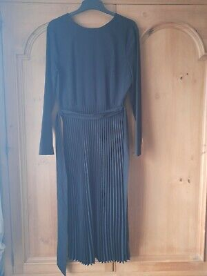 £10 • Buy Warehouse Size 12 Worn Once Black Polyester Belted Pleated Skirt Dress