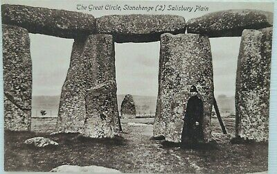 £3 • Buy The Great Circle, Stonehenge (2), Wiltshire. Tomkins & Barrett Famous Series.