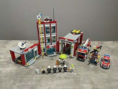 £66 • Buy LEGO Set 60110 Fire Station - Town: City: Fire