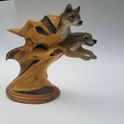 $99.99 • Buy  Outbound  Mill Creek Studios #63090 By Desiree Hajny Wolves In Motion Statue