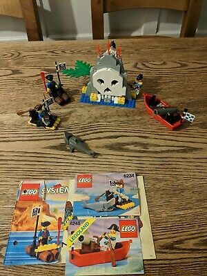 £50 • Buy Lego Vintage Pirates Bundle Volcano Island Harbour Sentry And Pirate Raft Lot123