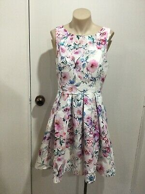 AU25 • Buy FOREVER NEW White Multicoloured Sleeveless Floral Fit & Flare Dress Size 10 VGC