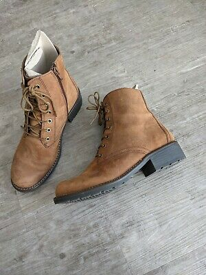£35 • Buy Clarks Tan Suede Boots Size 5.5