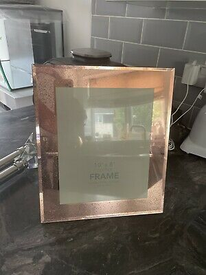 £5 • Buy Next Rose Gold Frame 10x8 Excellant Condition