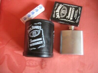 £5 • Buy Jack Daniels Small Hip Flask And Poker Set