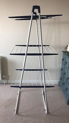 £5 • Buy Not Available Anymore - Folded 3 Tier Indoor Clothes Airer - White