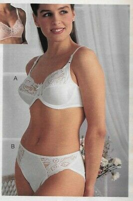$17.99 • Buy Pretty Ladies In Lacy Undies Vintage Catalog Lingerie Bra Clipping