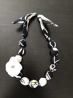 $5.98 • Buy Gymboree Girls BEE CHIC Black White Flower Daisy Necklace 4 5 6 7 8 9 10 New