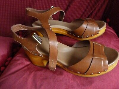 £24.99 • Buy UGG Tan Leather Wooden Clog Sandals, Brass Studs, Brown Leather UK6.5 (39.5) VGC