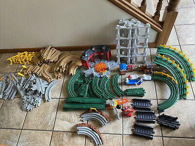£36.36 • Buy Fisher-Price GeoTrax Train Set Huge Lot Remote And 150+ Pieces Station