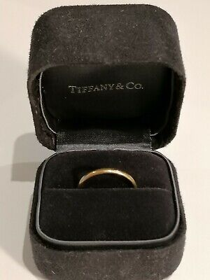 £200 • Buy Tiffany & Co Classic Wedding Ring In 18k Yellow Gold (2mm) Size 8 Hallmarked