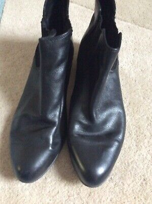 £6.99 • Buy Clarks Black Leather Ankle Boots Elasticated Sides Flat Heels UK  6 1/2 D