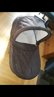 £5 • Buy Mamas And Papas Sola Carrycot