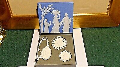 £39 • Buy Set Of Wedgwood Queens Ware Christmas Tree Decorations Boxed PERFECT