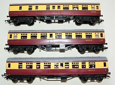£12 • Buy Job Lot Of 3 Triang OO Gauge Coaches - 2 R29 Composites & 1 R28 Brake 2nd -boxed