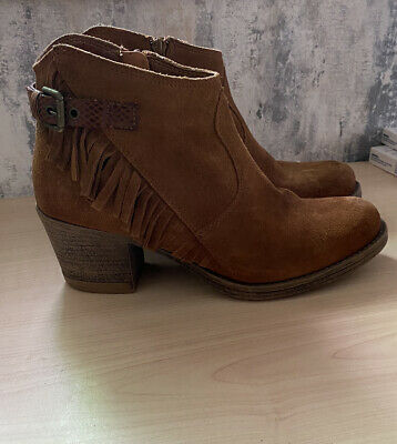 £4 • Buy Marco Tozzi Leather Suede Tan Boots Size 5 - Good Condition