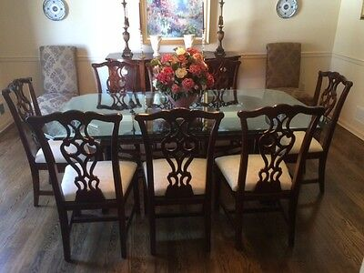 $2800 • Buy Thomasville Traditional Mahogany Dining Room Set With 9 Pieces