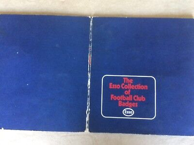 Esso Football Club Badges With 27 Out Of 76 Badges On Presentation Card (4) • 9.99£
