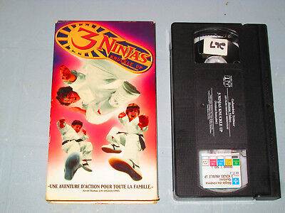 $ CDN5 • Buy 3 Ninjas Knucle Up (VHS)(French)  Testé