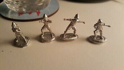 4×1/72 Ww1 White Metal Middle East British Ground Crew In Pith Helmets. • 3£