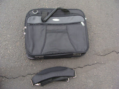 $ CDN59.45 • Buy Lot Of 3 Toshiba Black Laptop Bag Travel With Shoulder Strap
