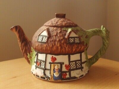 Christopher Wren Fine China Cottage Teapot • 9.99£
