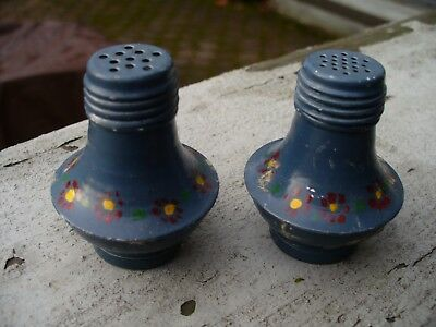 Vintage Miniature 2  Aluminum Salt And Pepper Shakers Blue Painted • 6.95$