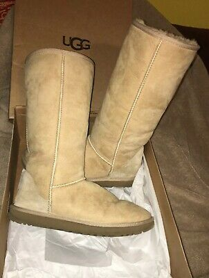 768dc021b54 ugg boots size 11