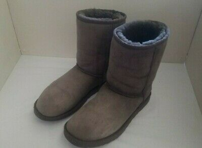 00f5681bf45 ugg short boots