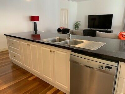 AU1999 • Buy Second Hand Kitchen - Excellent Condition - THIS ITEM HAS BEEN SOLD (Gumtree)