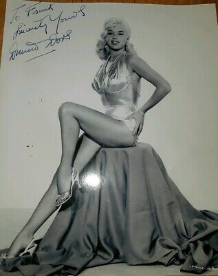 Diana Dors Genuine Signed Photo. Lovely Pose. Britains Answer To Marilyn Monroe. • 224.99£