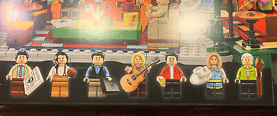 LEGO Ideas: Central Perk (21319) Minifigures Only!!! Authentic!!! • 40$