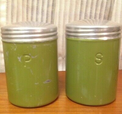 VTG Large Avocado Green Aluminum Salt Pepper Shaker Set Pair Screw On Lids Metal • 9.99$