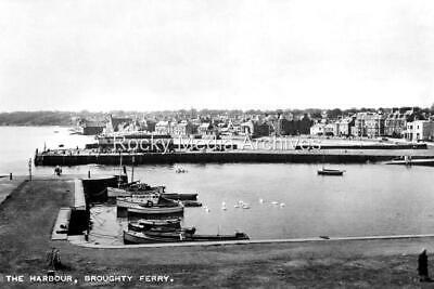 Tco-84 The Harbour, Broughty Ferry, Dundee, Angus, Scotland. Photo • 3.25£