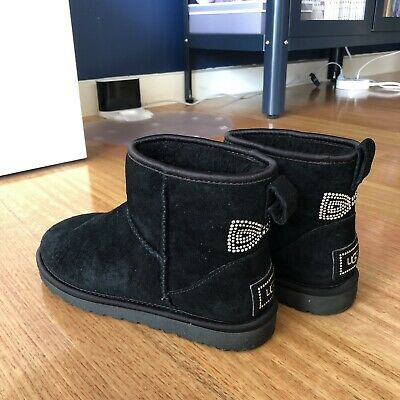 AU50 • Buy Mini Classic Ugg Boot Black With Bow Size 36