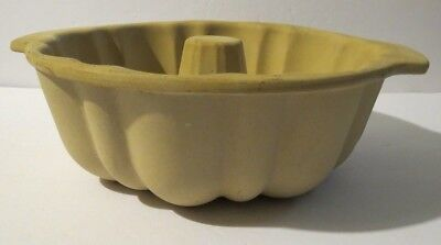 $41.79 • Buy Pampered Chef ~ Family Heritage ~ Stoneware ~ Fluted Bundt Pan ~ 1440