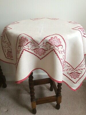 Very Pretty Vintage Hand Embroidered Linen Square Tablecloth • 14.50£