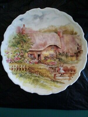 Royal Osborne Fine Bone China, Picture Plate, Village Scene • 4£