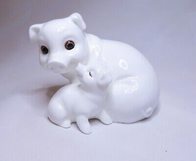 ROYAL OSBORNE BONE CHINA PIGS FIGURINE. WITH MAKERS LABEL 8.5cm TALL TMR-5597 • 6.99£